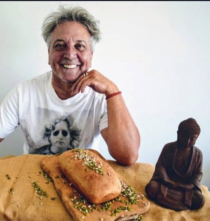 Pato Strahovsky cuenta por qué empezó a hacer y vender pan amasado