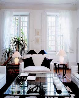 diseño de sala en blanco y negro