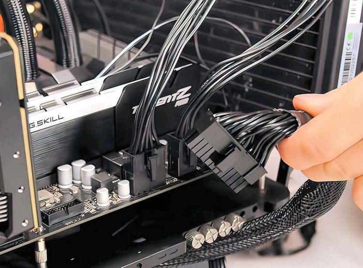ATX12VO Güç Konektörü