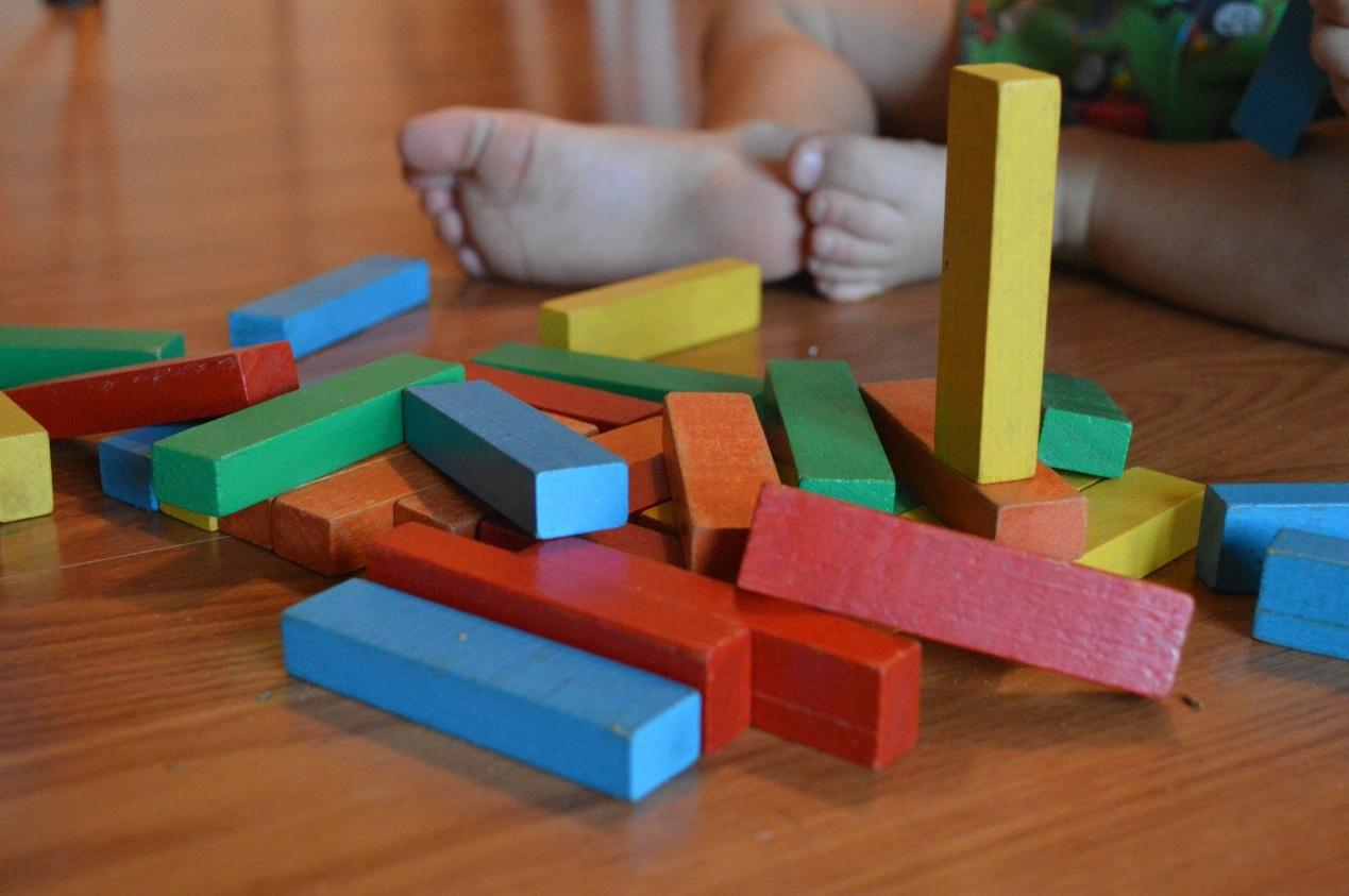 Ξύλινα ή πλαστικά παιχνίδια; Πως να συνδυάσετε διασκέδαση και μάθηση