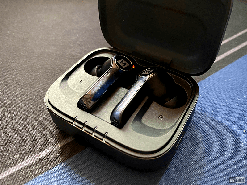 Premium-looking case, well-made buds