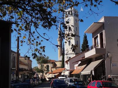 Το ρολόι και το τζαμι χρόνια τώρα δίπλα δίπλα