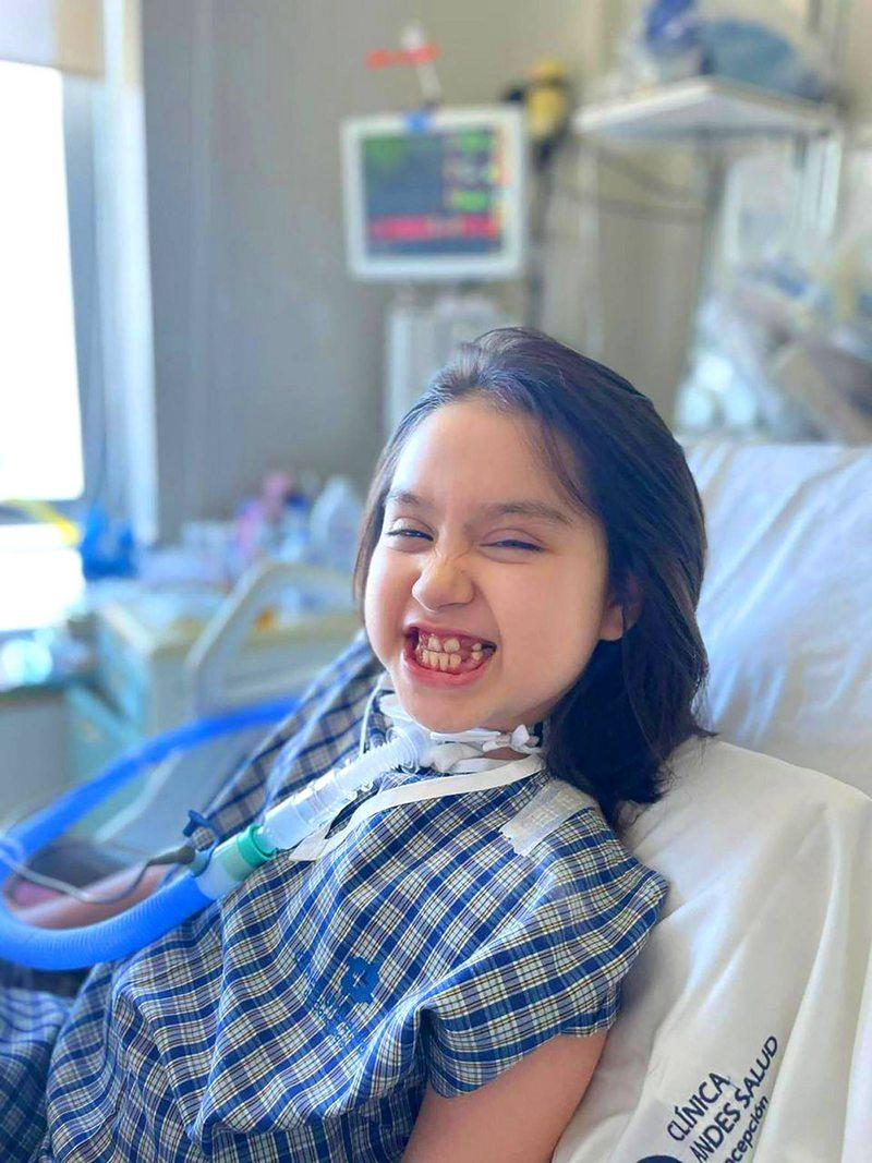 Pequeña de 9 años recibe un marcapasos diafragmático