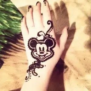micky-mouse-mehndi--design-for-kids