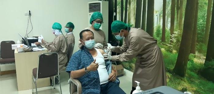 Ketua DPRD Lamsel Terima Vaksin Covid-19 Dosis Kedua