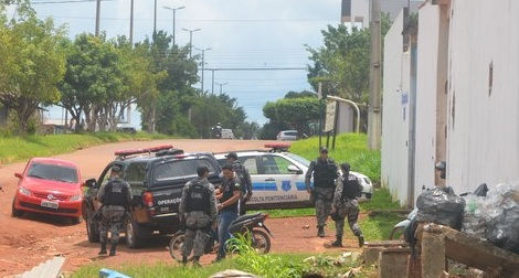 Após vistoria surpresa no Presídio de Cacoal, presos iniciam rebelião quebrando grades e paredes das celas