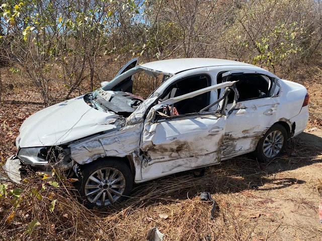 Colisão entre carro e caminhão mata homem e deixa duas mulheres feridas na BR-316 em Valença