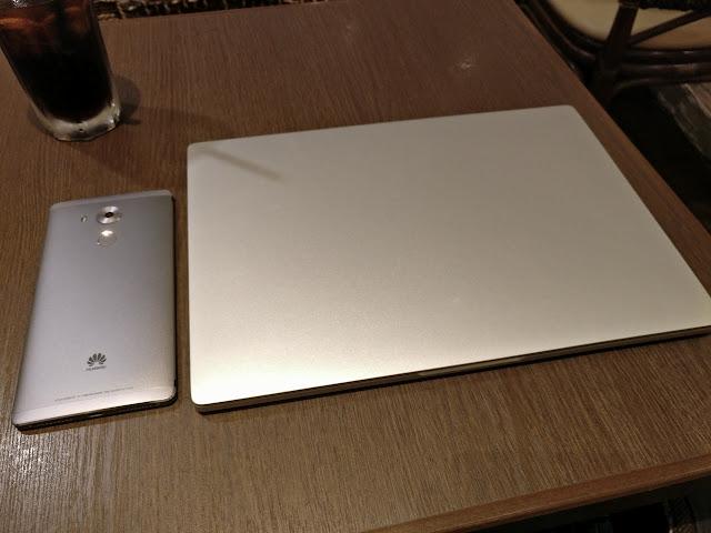 【ファーストインプレッション】MacBook瓜二つのXiaomi Mi Notebook Air(12)レビュー。綺麗な液晶、機敏な動作、軽量で薄型な筐体、どれも文句なしです。日本語もバッチリ