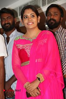9 Giragankalum Ucham Petravan Tamil Movie Pooja Stills  0014.jpg