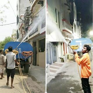 पार्षद मिथिलेष सिंह चौहान द्वारा विकास नगर क्षेत्र में कराया गया सैनिटाइजर का छिड़काव