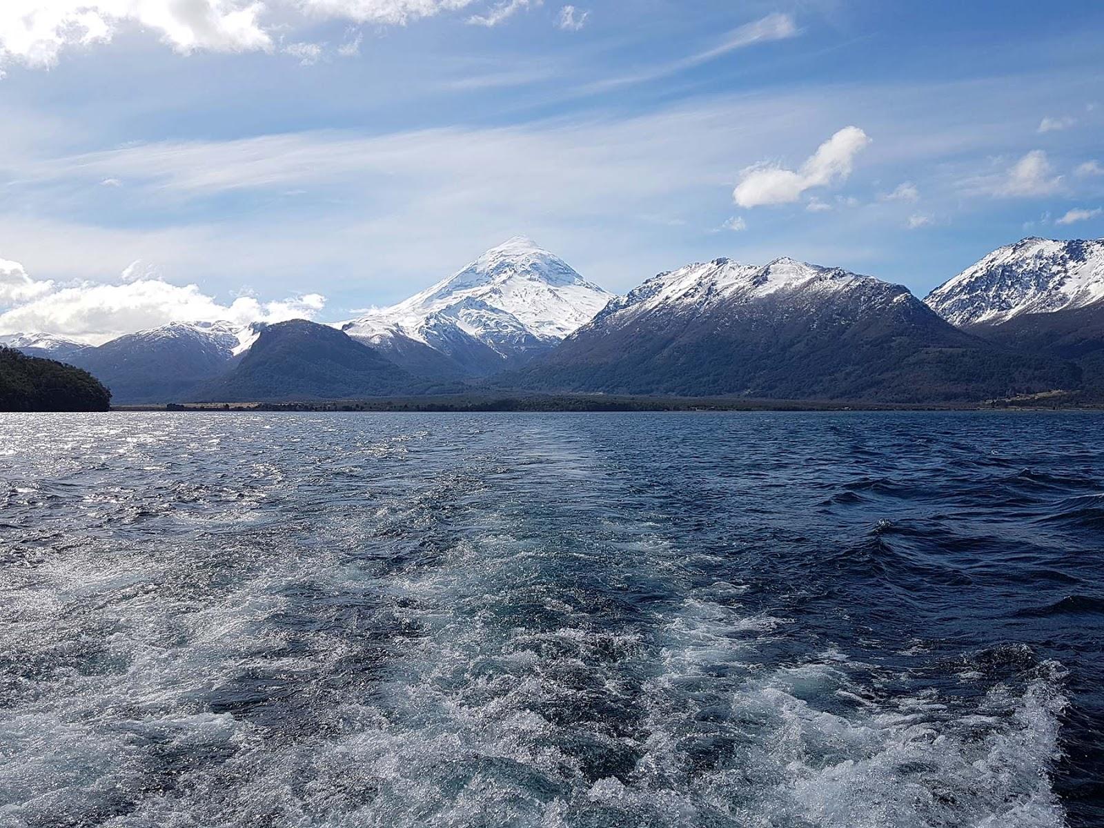 Vulcão Lanin, Lago Huechulafquen, Patagônia Argentina