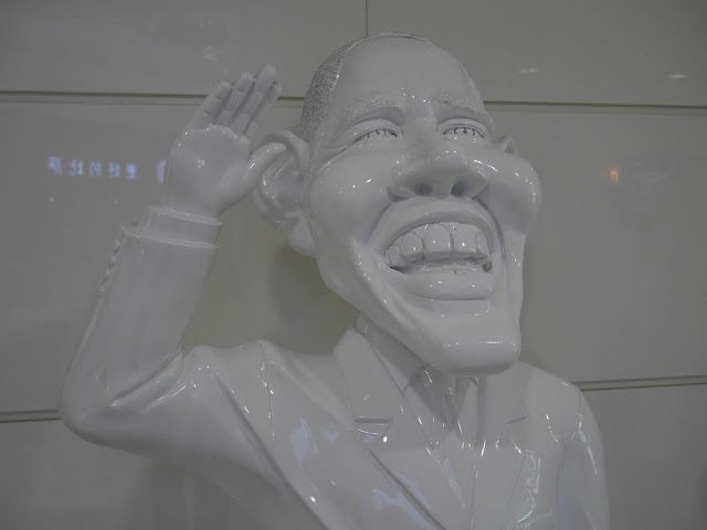 statue of Barack Obama in Dalian, China