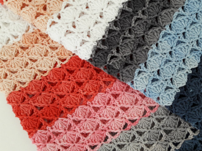 Sea shell blanket, denim soft. Crochet pattern by Happy in Red