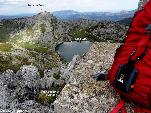 Vistas al Lago Enol desde el Pico Mosquital