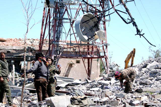 Οι τουρκικές αεροπορικές επιδρομές κατά των Κούρδων δυσκολεύουν τις επιχειρήσεις των ΗΠΑ στο Ιράκ και τη Συρία