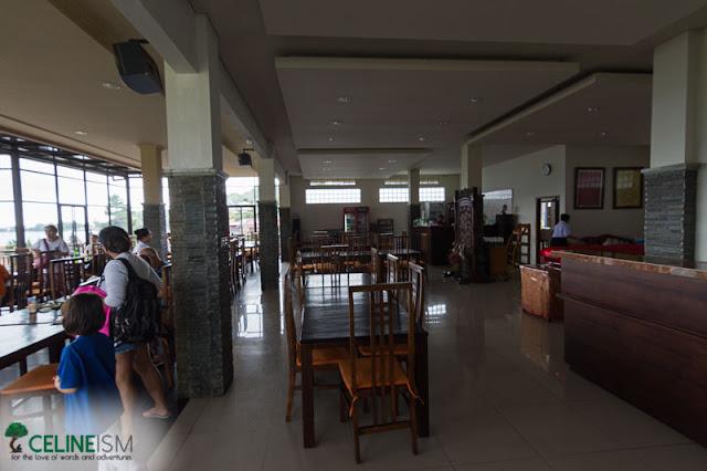 inside de danau lakeview restaurant bali