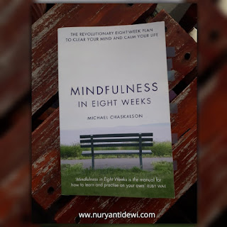 book mindfulness in eight weeks