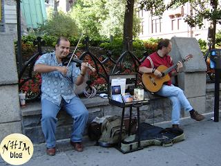 NhimBlog Nghệ sỹ biểu diễn ngoài đường phố  vào mùa hè