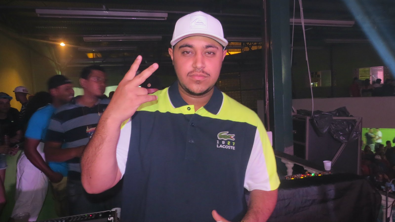 Baixar Esquadrão do Verão - Perera DJ Part. MC Livinho, MC Maneirinho, MC G15, MC Kevin, Gaab Mp3