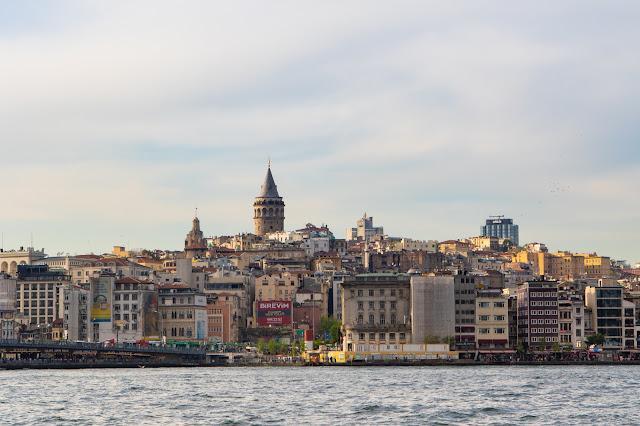 Torre di Galata da Eminonu-Istanbul