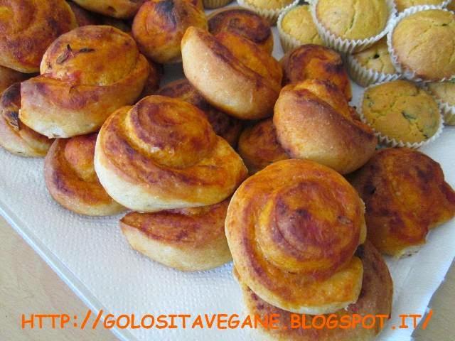 Conosciuto Golosità Vegane: Salatini per buffet: cornetti, rotolini  NG96