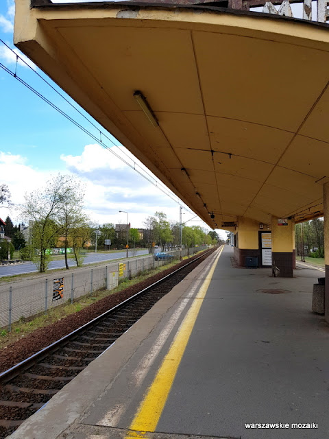 peron Wawer stacja kolejowa modernism modernizm Kazimierz Centnerszwer kolej wiata poczekalnia linia otwocka architektura architecture
