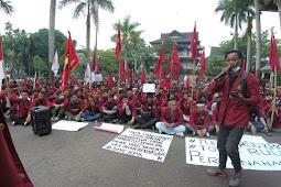 Catatan Sejarah Bersama Jas Merah
