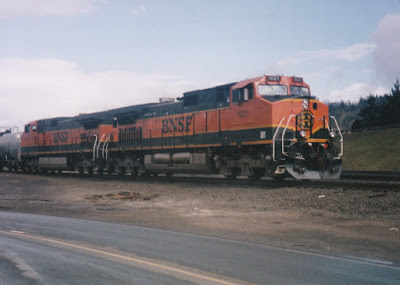 BNSF Dash 9-44CW #1021 in Kalama, Washington, in March, 1997