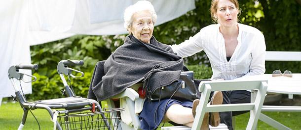 socialtjänstlagen och socialtjänstens insatser för äldre