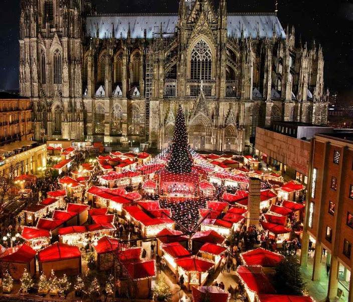A catedral acolhe maternalmente o Mercado de Natal