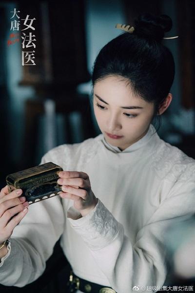 หรั่นเหยียน (โจวเจี๋ยฉง) @ Miss Truth นิติเวชหญิงแห่งต้าถัง (The Tang Dynasty's Female Forensic Doctor: นิติเวชสาวยอดนักสืบ: 大唐女法医)