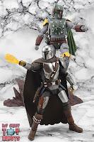 S.H. Figuarts The Mandalorian (Beskar Armor) 76