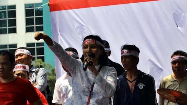 Meski Ditolak, Ratna Sarumpaet Tetap Terbang Ke Bangka Belitung
