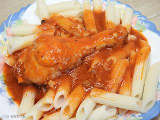 Ostropel de pui cu penne reteta de casa rapida cu paste carne prajita si sos tomat din bulion faina si usturoi retete mancare tocana tocanita dobrogeana traditionala,