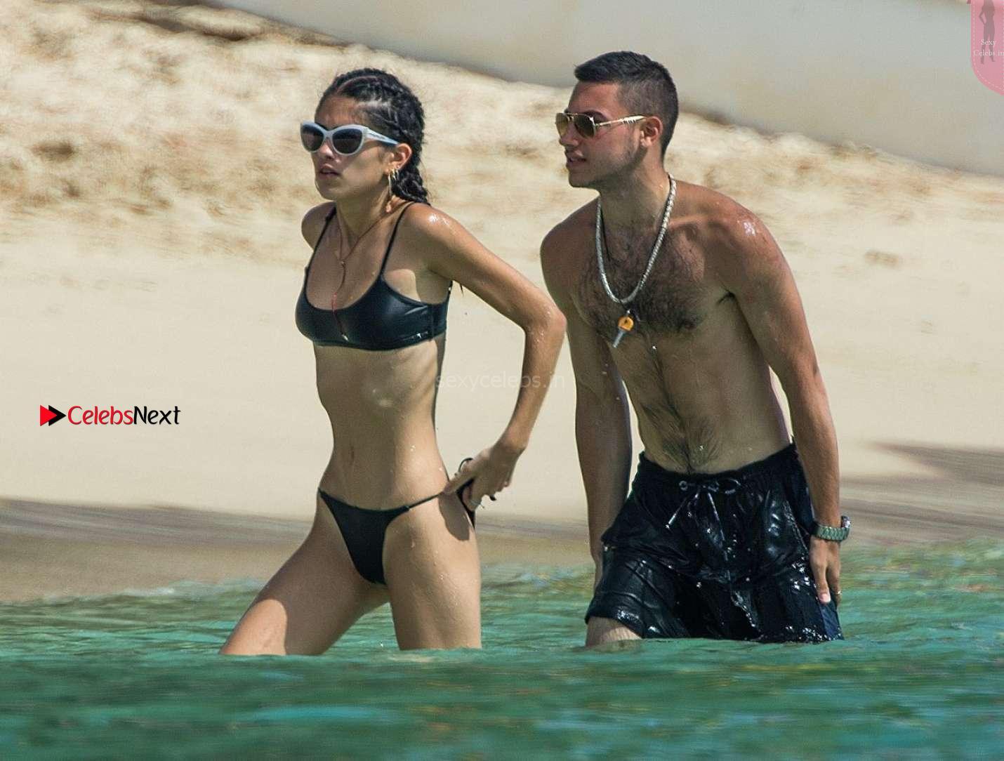 Kim Turnbull sexy young beautiful teenager in wet Black Bikini 2017