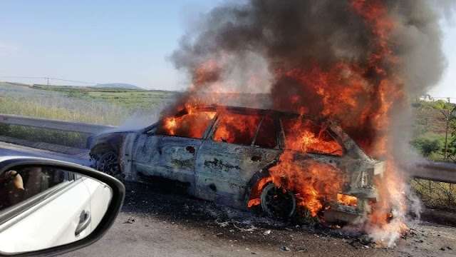Λαμπάδιασε αυτοκίνητο εν κινήσει στα διόδια Σπαθοβουνίου (βίντεο)