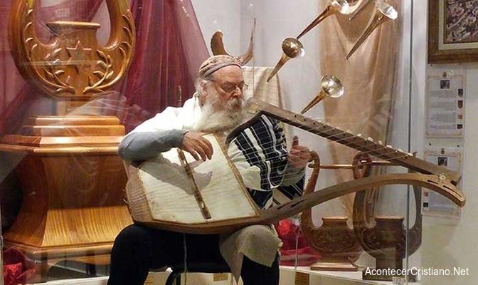 Rabino toca música sagrada del Templo de Jerusalén