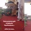 Viral! Anggota TNI ini Menangis dan Cium Kaki Ibu Mempelai di Pernikahan Mantan