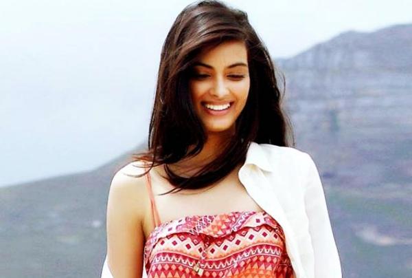 Diana Penty Artis Muda Bollywood Tercantik