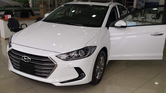 New Hyundai Elantra 2017 - versão topo de gama