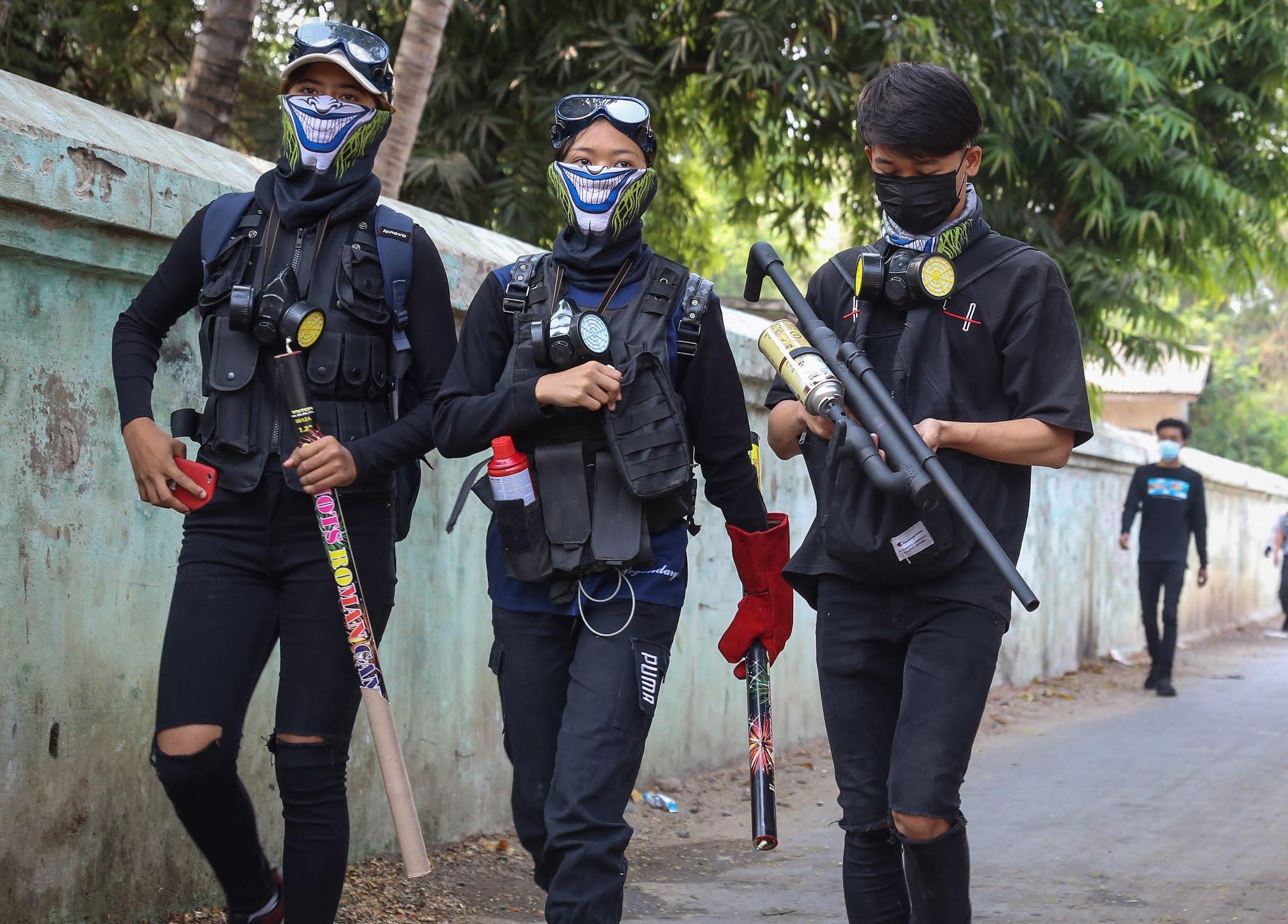 Birmania: rebeldes inician ataque contra militares