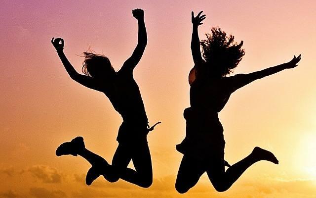 पैसा खुशहाली की जड़ नहीं है, प्रसन्न रहना ही है सबसे बड़ी दवा
