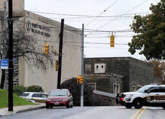 Gunman kills at least 8, injures 12 in Pittsburgh synagogue shooting