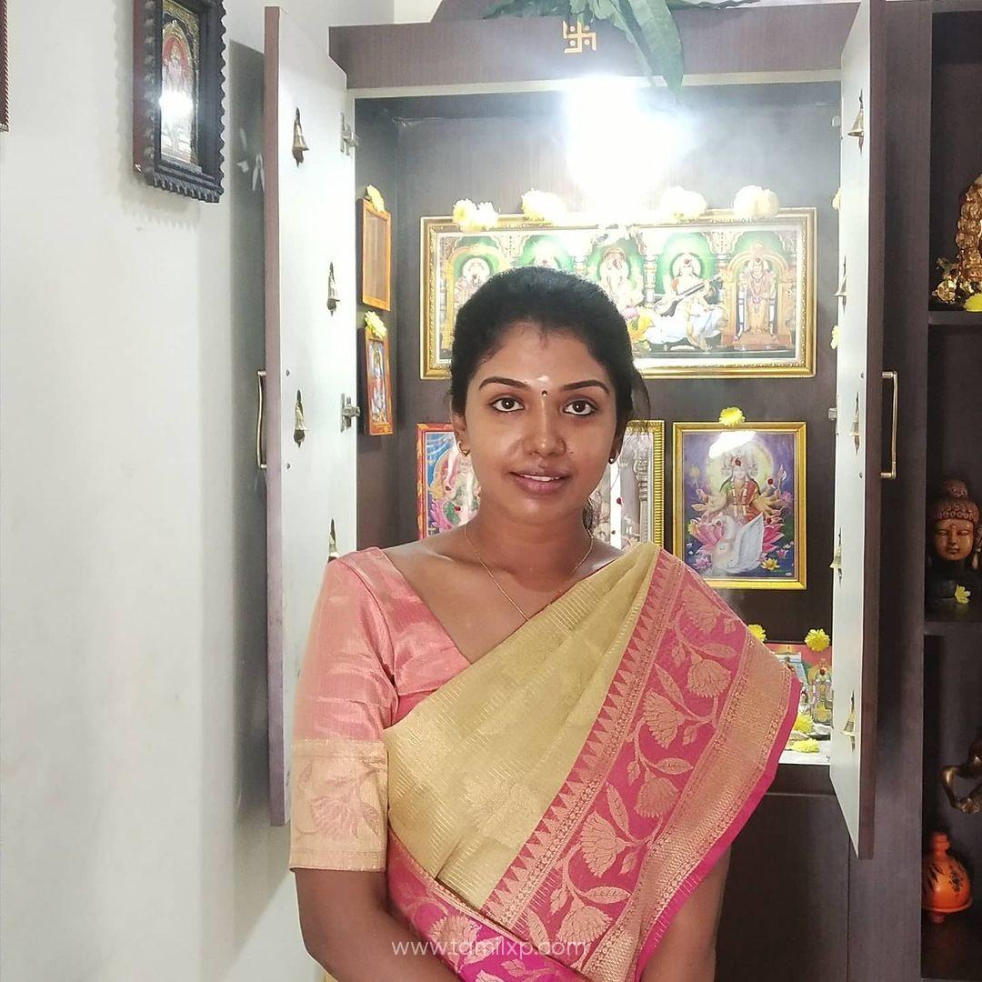 Actress Riythvika Saree stills