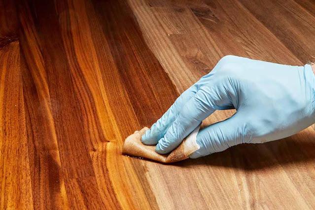 Đánh Vecni gỗ