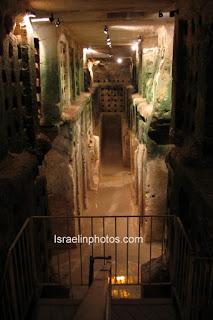 Israel Reisgids: Tel Maresha - Beit Guvrin (Maresha, Eleutheropolis, Tel Sandahannah, bevind zich ca.1,5km ten zuiden van Beit Guvrin en 39km ten oosten van Ashkelon)