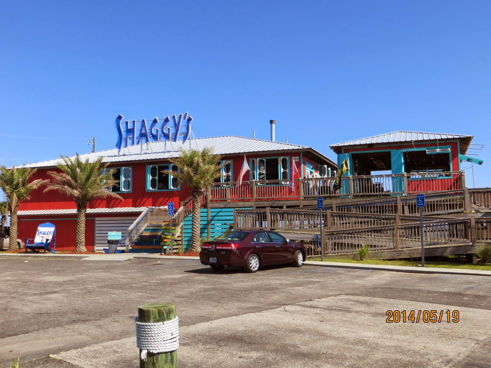 Jeeps Pubs Taverns And Bars Shaggy S Beach Bar And Grill Biloxi