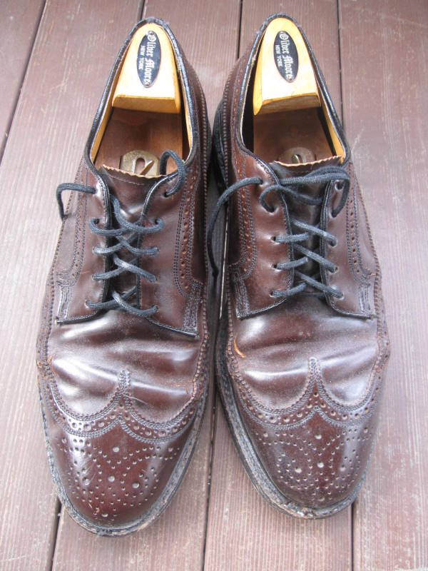 7ba11a4815bc These are my old Florsheim Royal Imperial longwing brogues. I love these  shoes. I ve worn them a lot