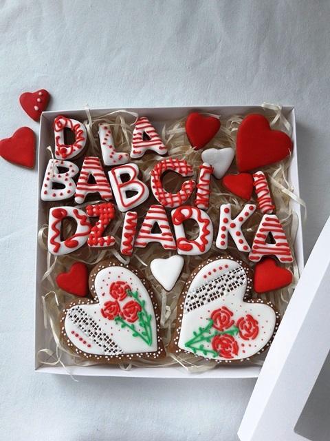 pierniczki dla babci, zestaw pierników, artystyczne ciastka, ciastka malowane, pierniki dekoracyjne, ciastka dekoracyjne