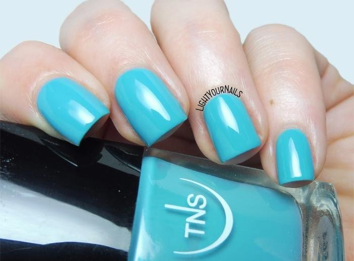 Smalto azzurro turchese TNS Cosmetics Firenze Altrove 564 La Quiete turquoise nail polish #unghie #nails #tns #tnsaltrove #tnscosmetics #tnsfirenze #lightyournails